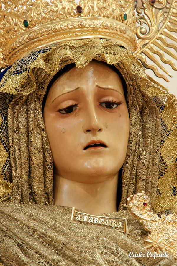 ... Mayor de la Divina Pastora de Santa Marina de Sevilla, siendo presentado por D. José Manuel Romo Madera, quien fue pregonero de la Amargura en 1988. - veracruzptoreal09-3
